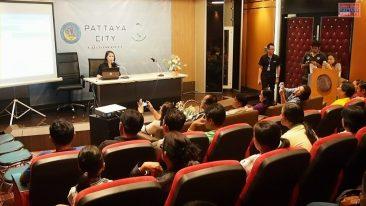Гости из Центрального Таиланда в мэрии Паттайи