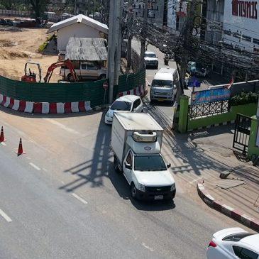Пробки на шоссе Сукхумвит из-за строительства тоннеля