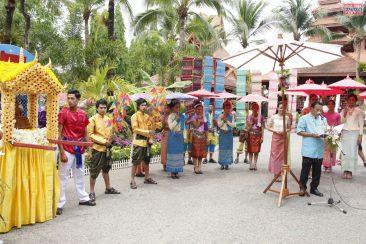 Фестиваль Сонгкран в саду Нонг Нуч