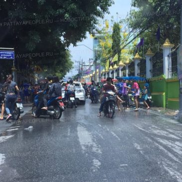 Сонгкран 2015 в Паттайе глазами водителя