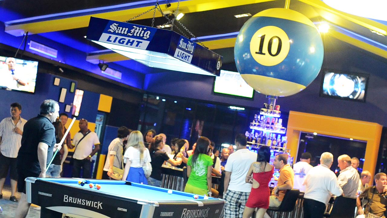 Legends Pool and Sports Bar (1)
