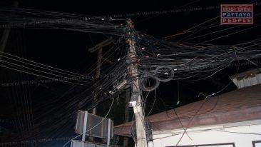 Рухнул столб электропередачи в Паттайе