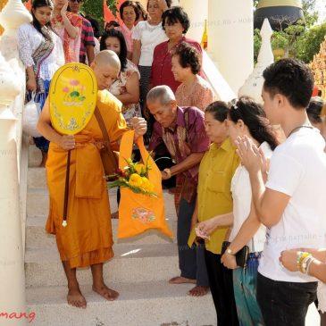 Буддийский постриг в монахи в Таиланде