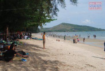 Местные власти решили облагородить пляж Донгтан