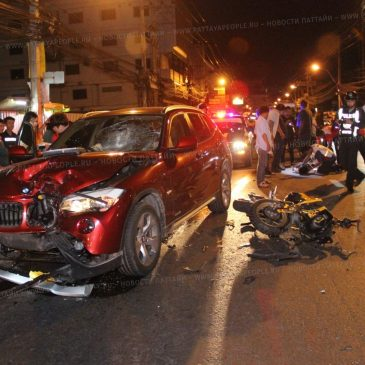 Неравная схватка: в Паттайе столкнулись мотоцикл и автомобиль