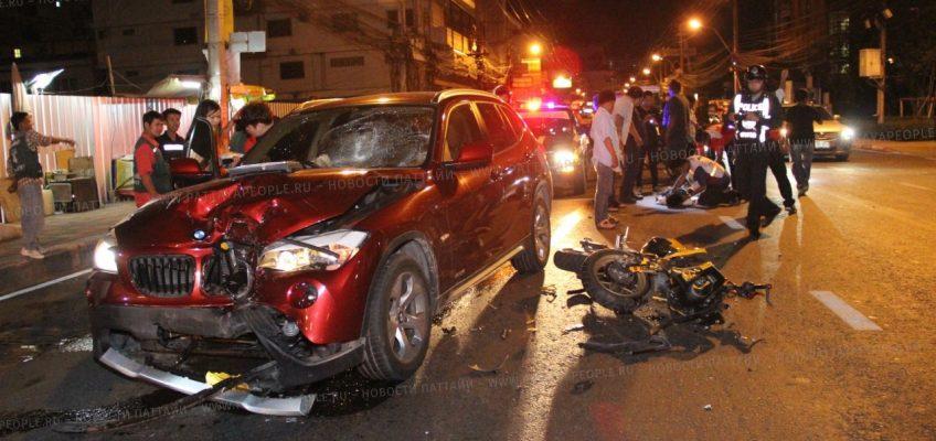 Неравная схватка в Паттайе столкнулись мотоцикл и автомобиль