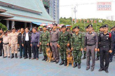 Собрание полицейских на пирсе Бали Хай в Паттайе
