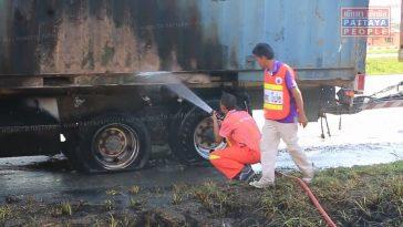 В Паттайе загорелся грузовик