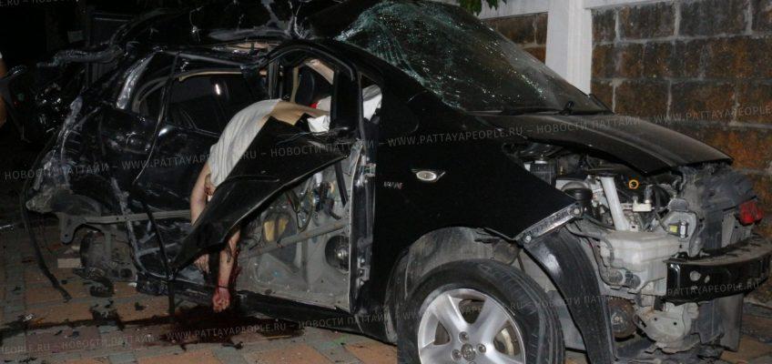 Адвокат погиб в автомобильной аварии в Паттайе
