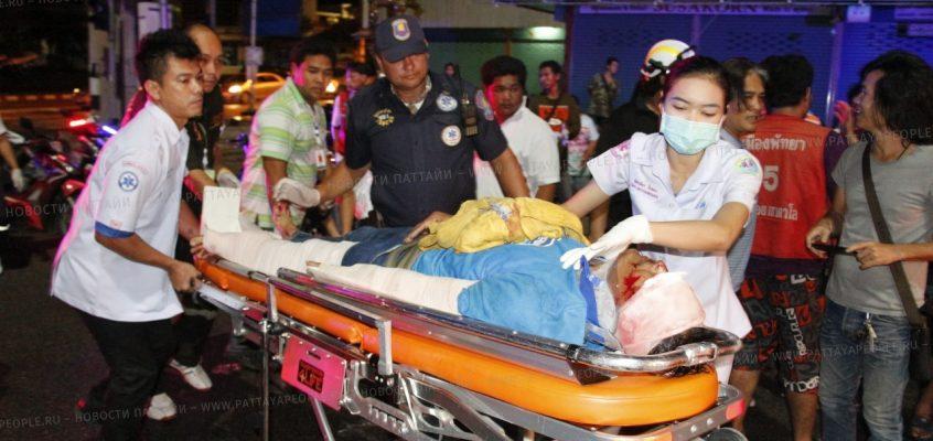 Авария на светофоре в Паттайе: мотоциклист решил проскочить на красный