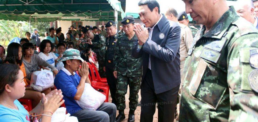 Чиновники посетили затопленные районы Паттайи