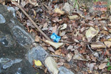 Холм Будды в Паттайе забросали презервативами