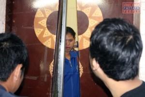 В Паттайе девушка просидела в запертом лифте больше часа