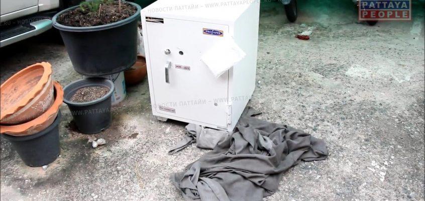 Необычный багаж в Паттайе довел до обыска