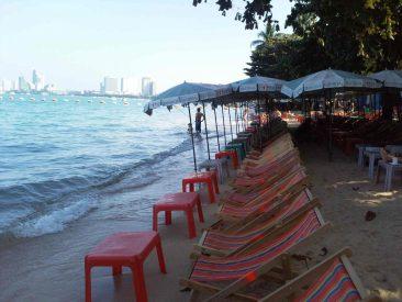 Свободные пляжи Паттайи
