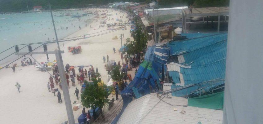 Обрушение крыши торговых рядов на острове Ко Лан (видео)