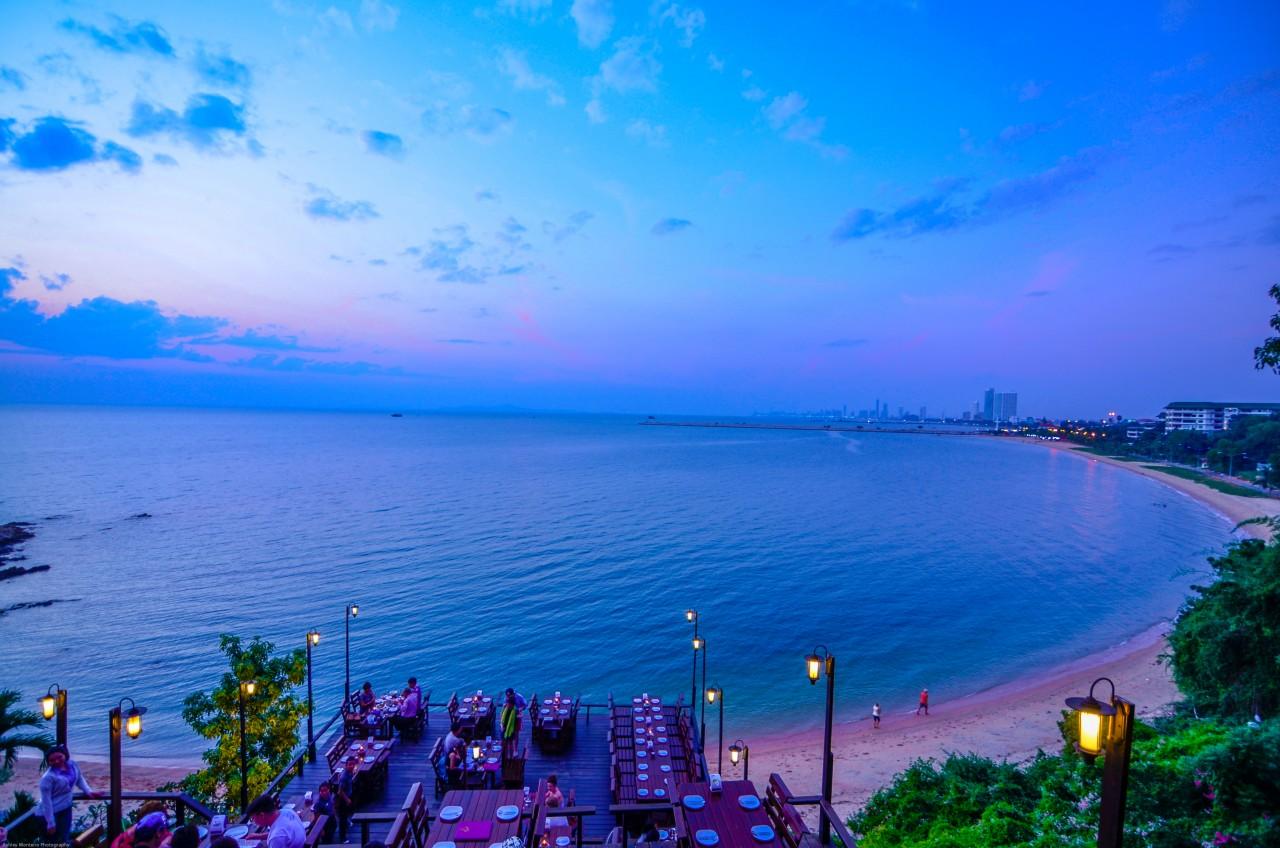 Ресторан с видом на море Rimpa Lapin в Паттайе