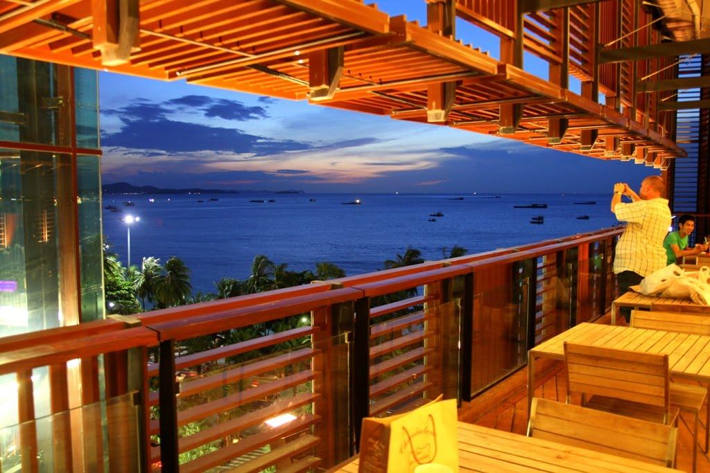 Рестораны с видом на море в Паттайе
