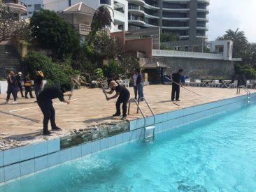 Снос бассейна в отеле Golden Cliff House