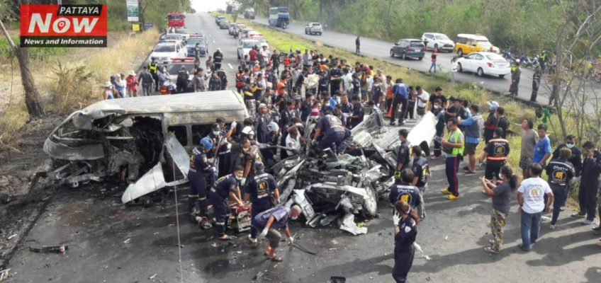 23 человека погибли в Таиланде при столкновении микроавтобуса с грузовиком