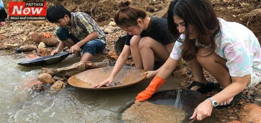 После наводнения в Таиланде находят золото