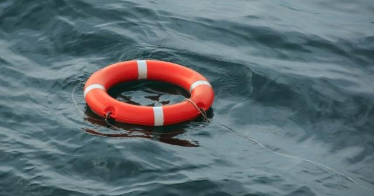 Россиянин провел сутки в море в Таиланде