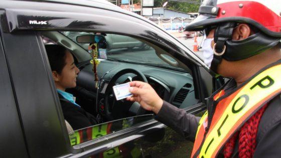 Езда в кузове пикапа в Таиланде запрещена