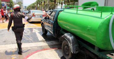 Водные бои Сонгкран запрещены в Паттайе после 8 вечера