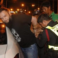Пьяные русские туристы оказали сопротивление полицейским в Паттайе (ВИДЕО)