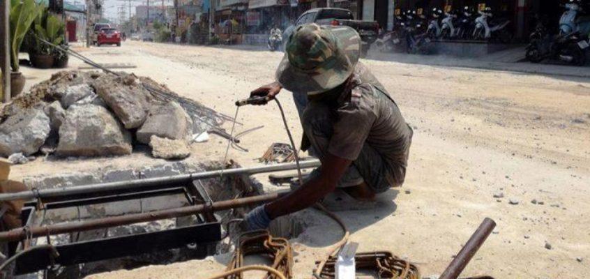 Сиам Кантри Клаб — задержка дорожных работ