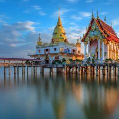 Храм в море недалеко от Паттайи