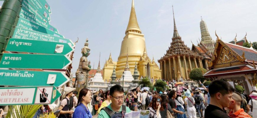 Королевский дворец в Бангкоке закроют для посещений