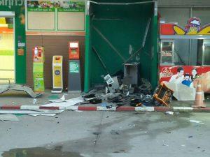 В Бангкоке вор взорвал банкомат и забрал все наличные
