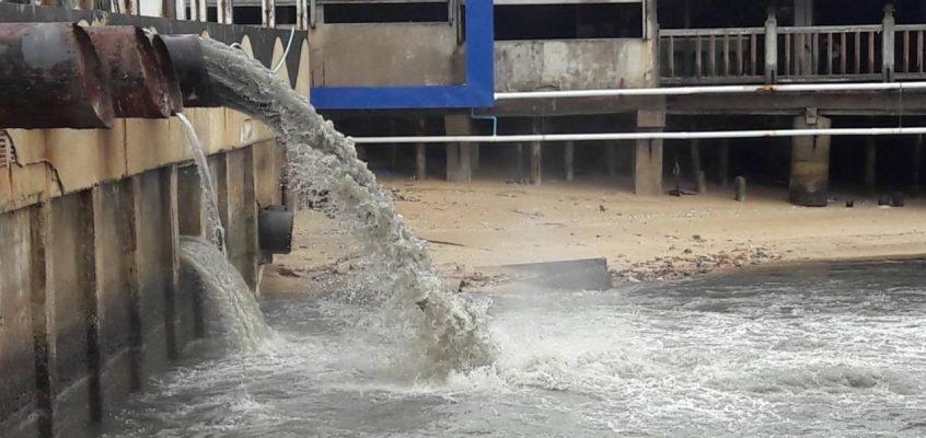 Сезон дождей в Паттайе — грязь сливают в море