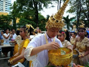 В Таиланде завершился буддийский пост Кхао Пханса