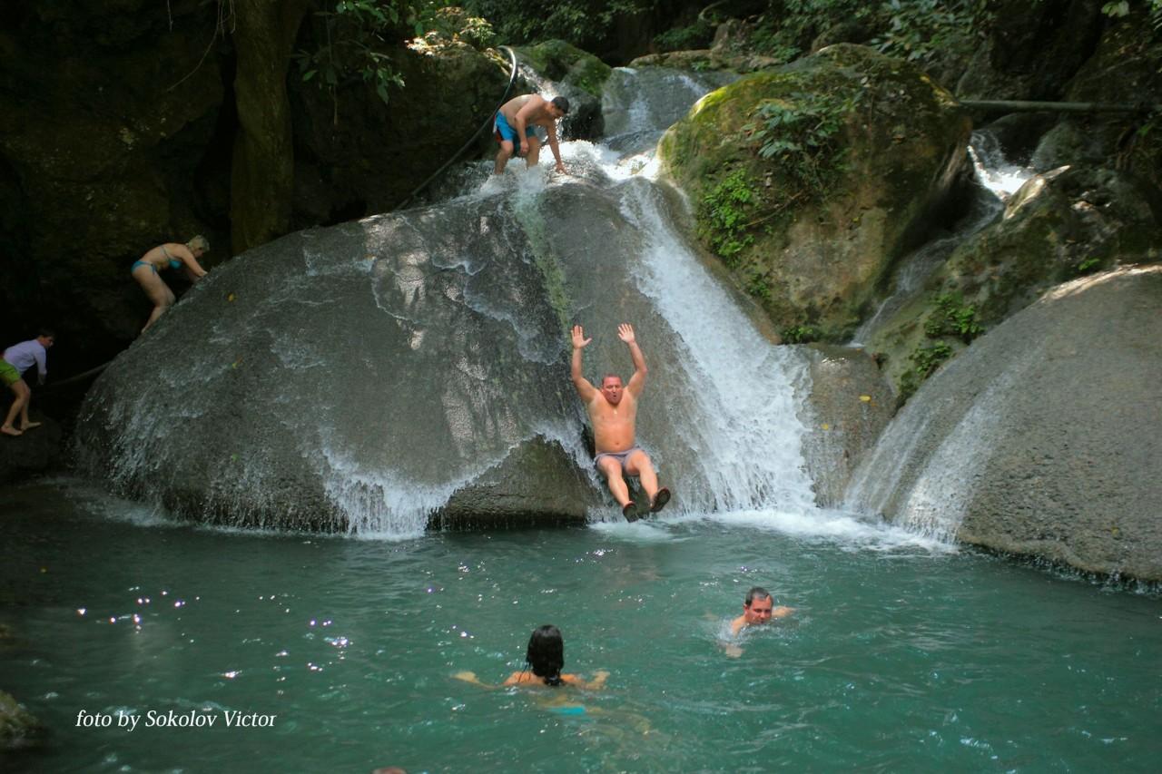 Четвёртый каскад водопада. Можно и покупаться