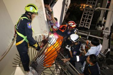 Россиянин выпал с балкона в Паттайе и напоролся на штыри (ВИДЕО)