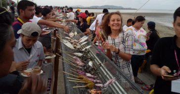Километр бесплатных морепродуктов в Таиланде