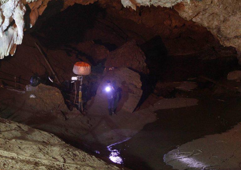 спасение детей в пещере таиланда