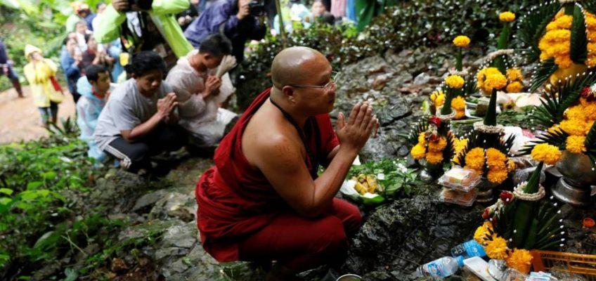 Черная неделя в Таиланде - 7 дней продолжаются поиски пропавших в пещере детей