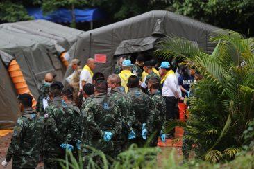 Спасательная операция в пещере Таиланда - день второй (обновляется)
