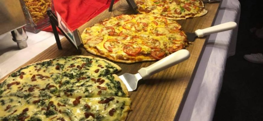 Буфет пицца+паста в английском пабе в Паттайе