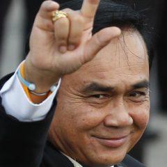 Премьер-министр Таиланда вышел в сеть