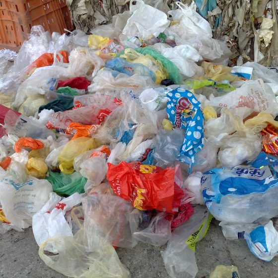 На тайский остров Самет запретили привозить пластиковые пакеты