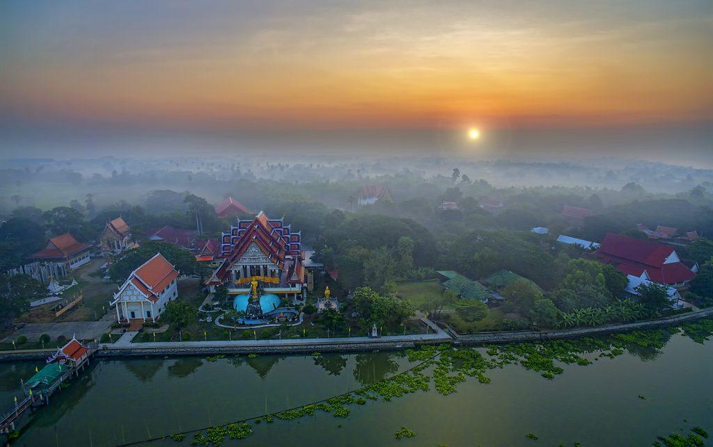 Работа мечты — путешествовать по Таиланду и сняться в фильме о своём приключении (1)