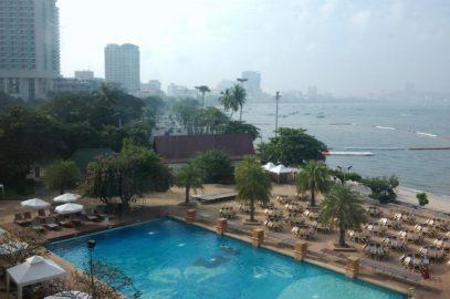 Туристы перестали заранее бронировать отели в Паттайе