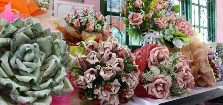 День святого Валентина в Таиланде - банки просят не делать денежные букеты