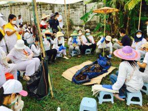 В Таиланде начали мыть кости покойников