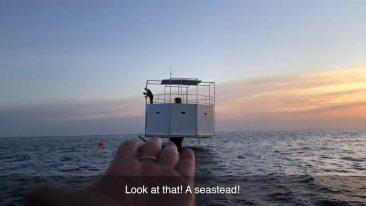 В Таиланде американец опасается смертной казни за то, что построил дом в море на Пхукете (ВИДЕО)