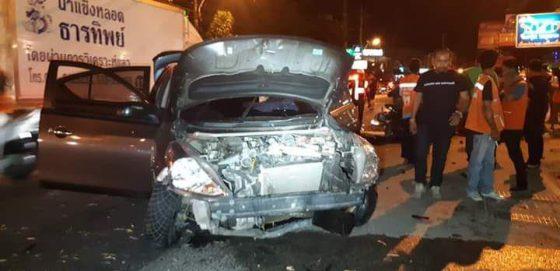 В Паттайе пьяный водитель на Ниссане сбил 11 мотоциклов, есть раненные
